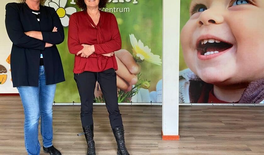 <p>Franciel Peters (l.) en Monique Francissen (r.) zijn blij met de overnamepartners voor Madelief Kindercentrum. Donderdag informeerden zij de medewerkers over het besluit. (Foto: Jos Gröniger)</p>