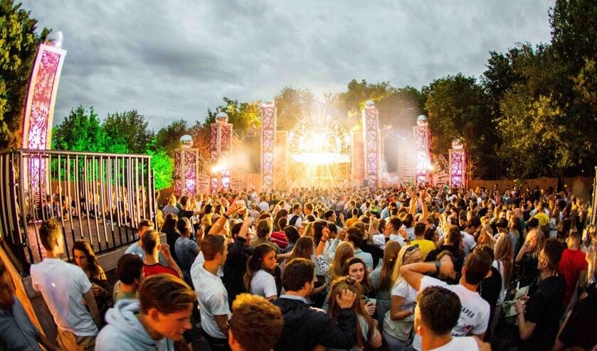 <p>LIVE AGAIN! Festival is een officieel Testen voor Toegang-evenement.</p>