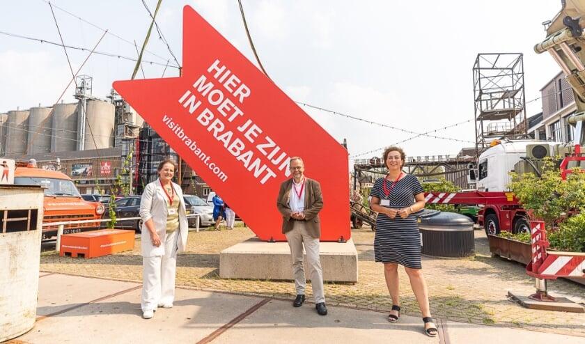 <p>Wethouder van Meierijstad Coby van der Pas, Gedeputeerde Wil van Pinxteren en Heleen Huisjes directeur van VisitBrabant.&nbsp;</p>