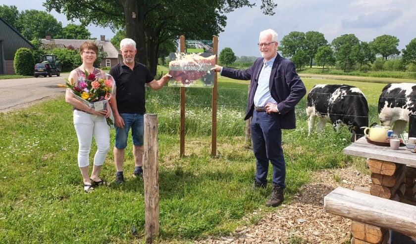 <p>Waterschap Aa en Maas geeft Van Summeren een groen-blauwe handdruk voor nieuwe natuur langs de Lage Raam</p>