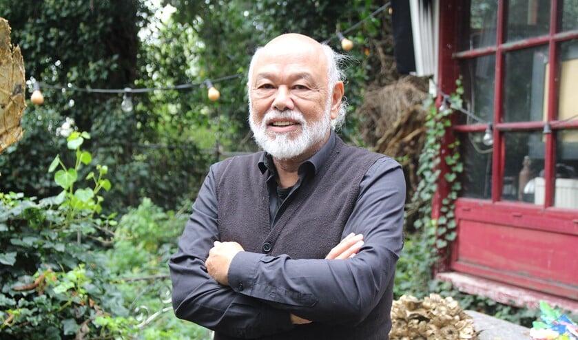 <p>Sinds tien jaar heeft hij zijn atelier bij De Watergang in Bleiswijk. Een groene oase temidden van bedrijvigheid.</p>