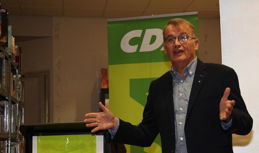 Rob Remmerswaal ontving als waardering voor al zijn vrijwilligerswerk een zilveren CDA-speld. (Foto: PR)