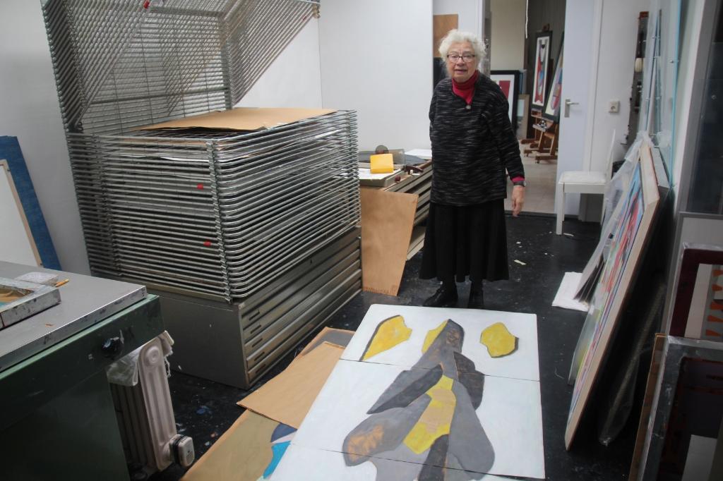 <p>Ze was 41 jaar tekendocente en combineerde haar onderwijswerk al met het kunstenaarschap.</p>  © hartvanlansingerland
