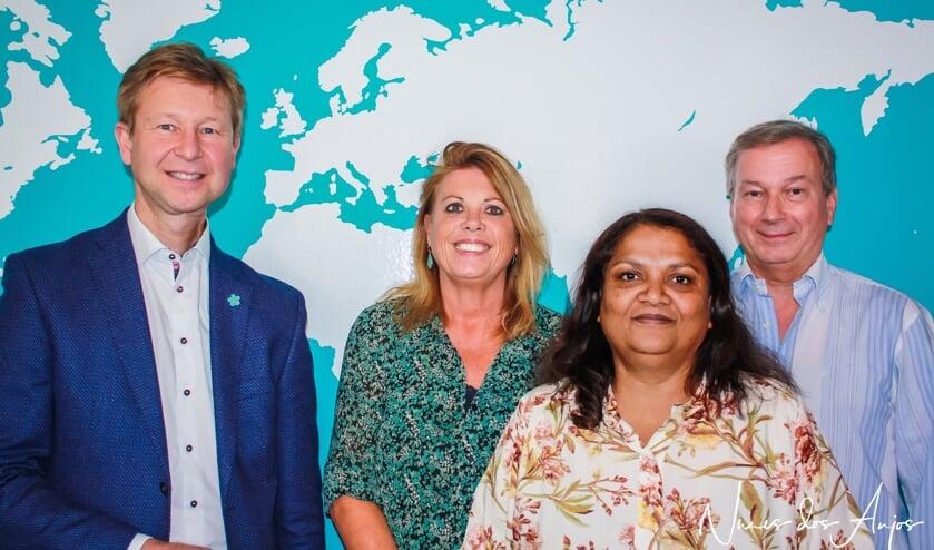 <p>Jan-Willem Hoogeweegen, Marjolein Tan, Sonia Thakoer en Anton Weeda van UWassistent Thuishulp Rotterdam. (Foto: Jaya de Grave)&nbsp;&nbsp;</p>