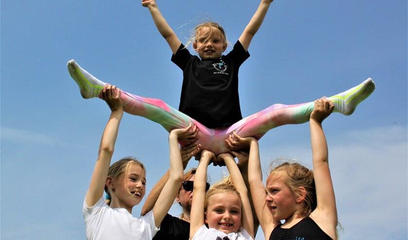Bewegen is goed voor kinderen. Gelukkig kan dat allemaal weer in groepsverband doorgang vinden. (Foto: PR/Dynamite Cheer Acadamy)