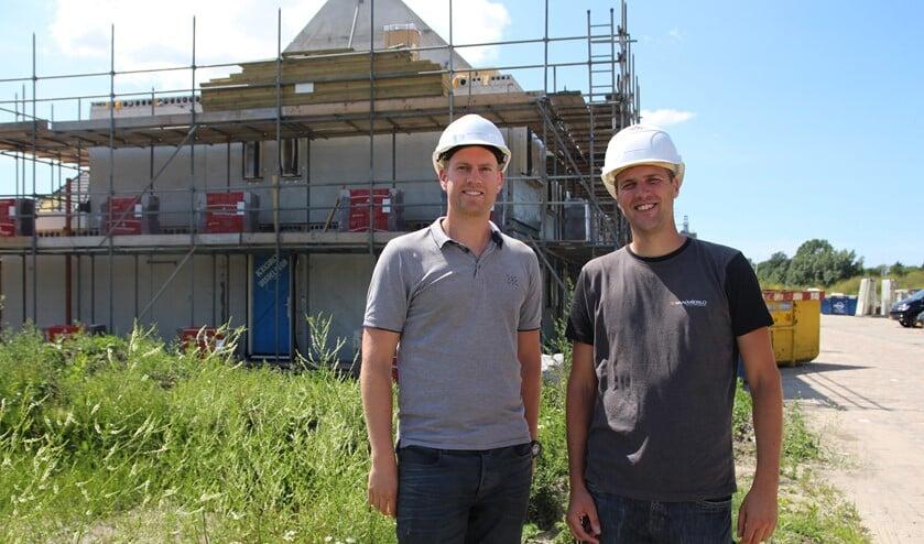 Maurice de Nie en Mitchel Klaasman werken met veel plezier aan de projecten in Gouden Buurten.