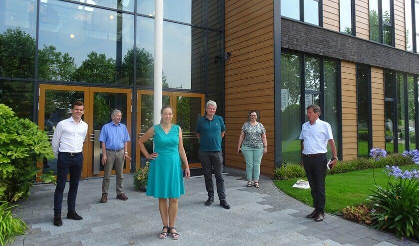 Van links naar rechts: Kees Stolk, Willem Ravensberg, Petra Verhoef, William Moorlag, Francien van Epen en Raymond Tans.