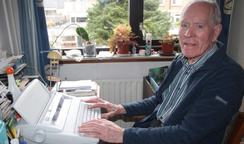 <p>De Bleiswijkse dichter schrijft nog op een elektrische schrijfmachine. Ze zijn alleen nog &lsquo;tweedehands&rsquo; verkrijgbaar!</p>
