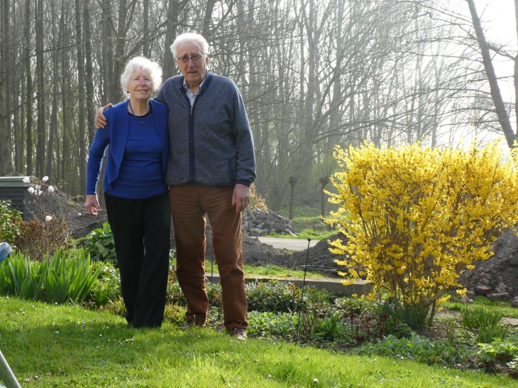 <p>Tom en Riet vinden dat zij een rijk leven hebben met vier kinderen en tien kleinkinderen.</p>  © hartvanlansingerland