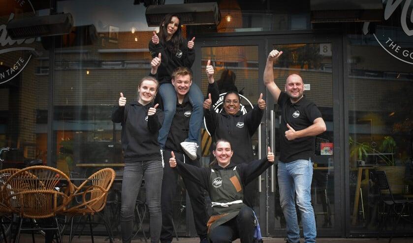 <p>Het team van Midas werkt nu nog vooral achter de schermen, maar hoopt alle inwoners snel weer op het terras en in het restaurant te zien. (Foto: Anne de Grund)</p>