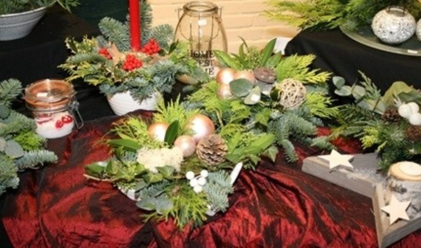 Er zijn onder meer kerststukjes gemaakt voor stichting Umutima