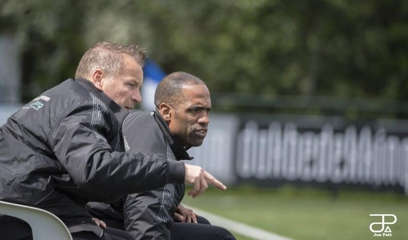 <p>&nbsp;Trainer Andrew Thomas zag zijn team onmachtig verliezen</p>