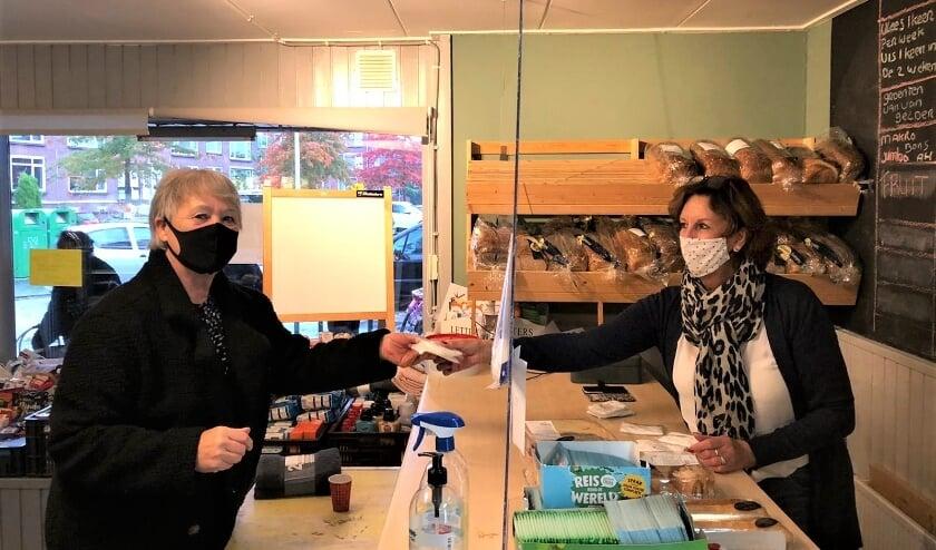 <p>Anneke en Wil van FoodCompany Ridderkerk</p>
