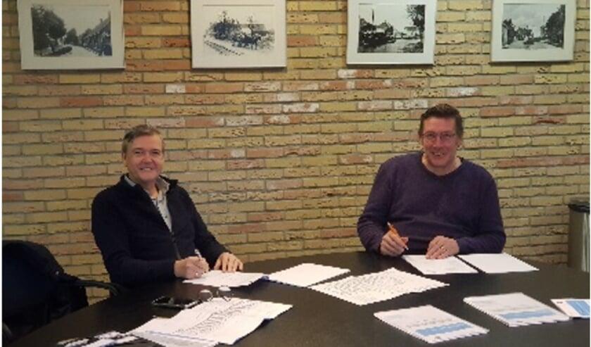 <p>De handtekeningen worden gezet door Bouw- en Aannemingsbedrijf Zoeteman B.V.. en sv Poortugaal</p>