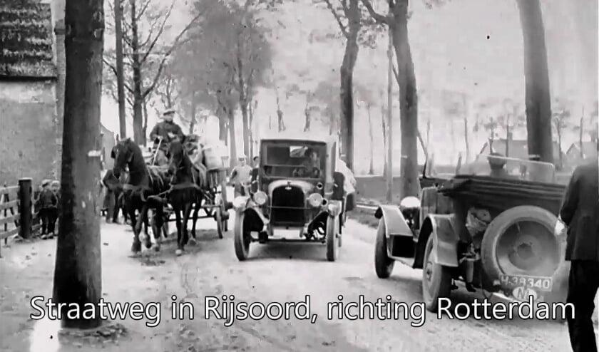 <p>De Rijksstraatweg in Rijsoord anno 1926. </p>