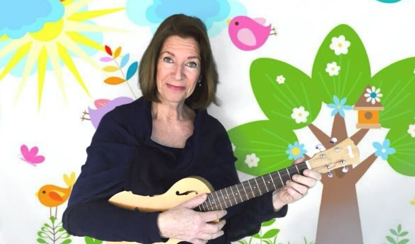 <p>&nbsp;Annemarie Rijk&eacute;e geeft muzieklessen via Zoom (foto Annemarie Rijk&eacute;e) </p>