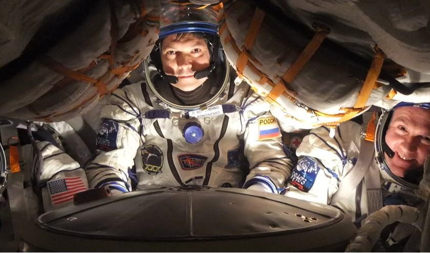Space Expo heeft tot en met 30 oktober een primeur. Daar mag voor het eerst buiten Rusland de Sojoez-capsule van André (rechts) worden getoond. | Foto: PR