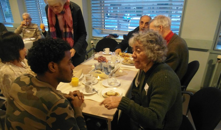 Het was een warme en bijzondere middag met bijzondere ontmoetingen en mooie gesprekken.   Foto: PR
