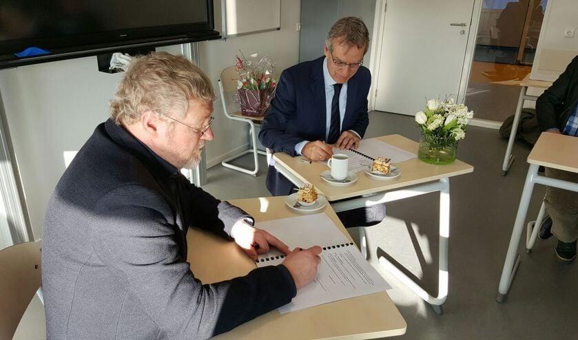 De KTS in Voorhout (een vakgerichte vmbo-school - onderdeel van het Teylingen College) en de Leo Kannerschool (voor onderwijs aan leerlingen met autisme) tekenden op dinsdag 17 januari een intentieverklaring voor samenwerking.   Foto: PR