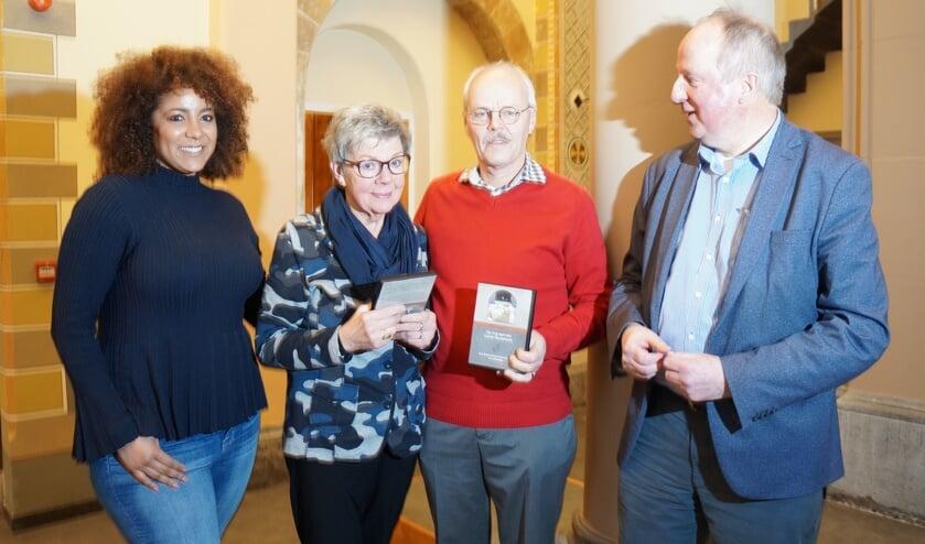 v.l.n.r.: Maaike Hin, Riet Heemskerk, Joop van Huut en Gerard van der Hulst (voorzitter kerkbestuur).
