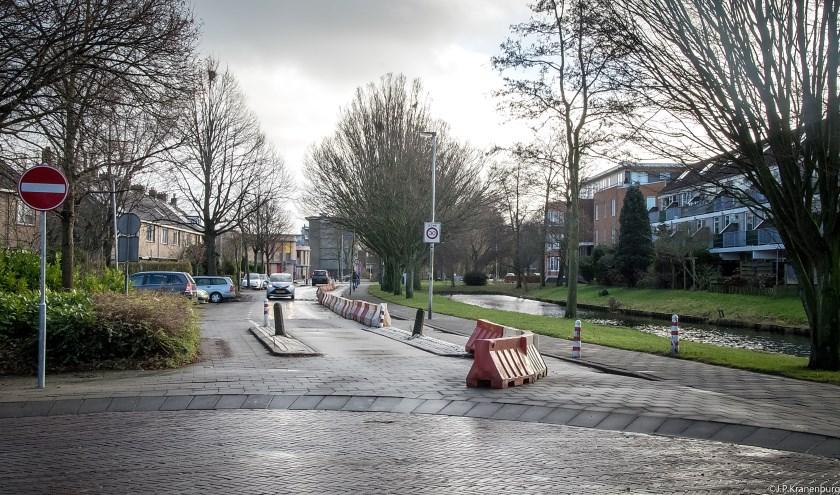 De Van der Marckstraat is vanaf de kruising met de Lijnbaan afgesloten richting de Vronkenlaan. | Foto: J.P. Kranenburg