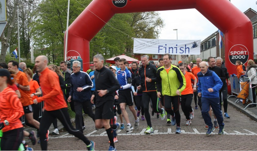 De Oranjeprestatieloop start op Koningsdag om 11.15 uur aan de Vossiuslaan bij Van Houdt. | Foto: PR