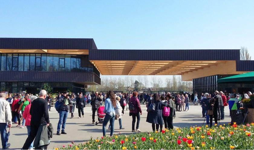 Liefst 1,4 miljoen bezoekers uit honderd landen kwamen de bloemen bewonderen.