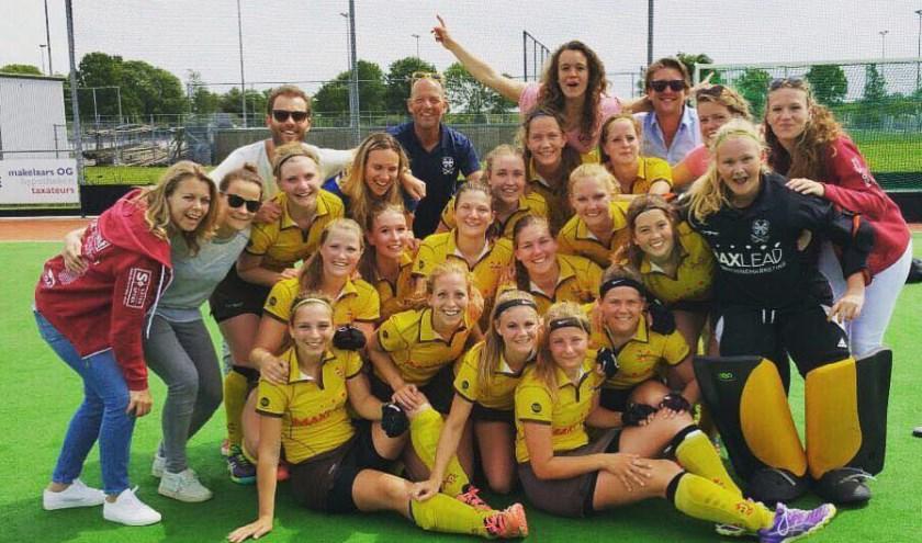 Het eerste damesteam van Alecto.
