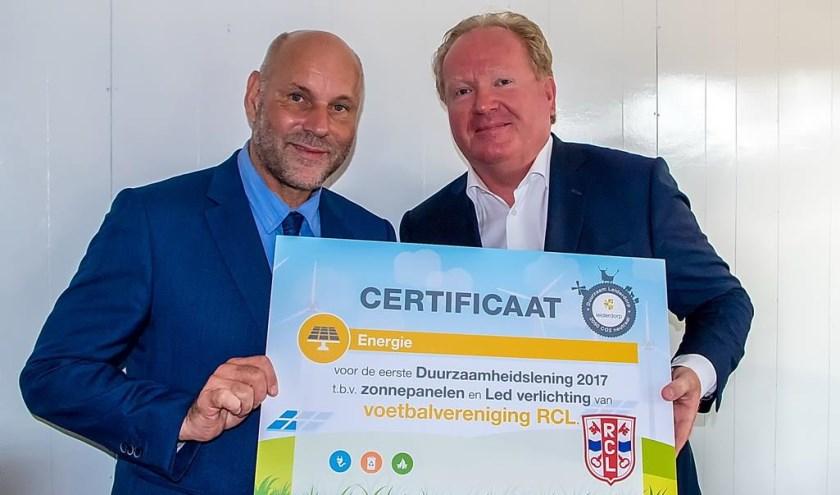 Wethouder Olaf McDaniel (links) en RCL voorzitter Kees van der Burg.