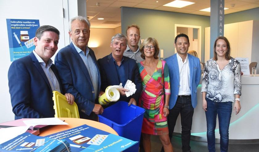 Wethouders van Katwijk en Noordwijk: 'Oude medicijnen en naalden zijn geen restafval!' | Foto: Piet van Kampen