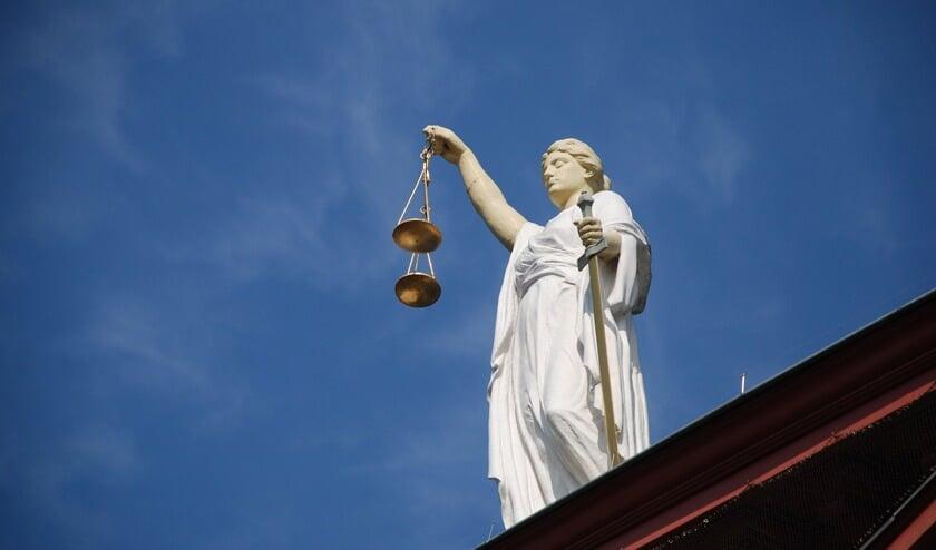 <p>De rechter doet over twee weken uitspraak in de zaak tegen een 26-jarige Lisser die verdachte is in een steekpartij.</p>