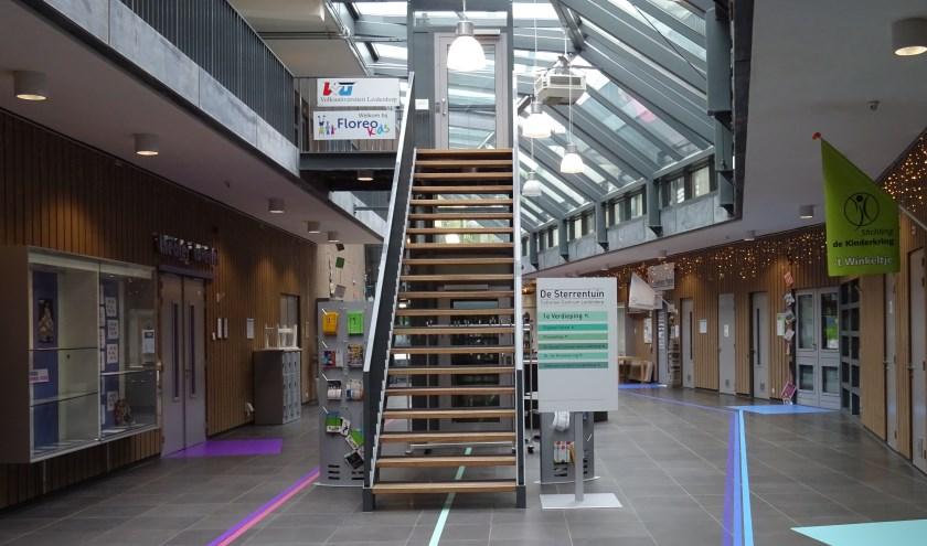 De Volksuniversiteit Leiderdorp is nog tot 10 januari gevestigd op de eerste verdieping van De Sterrentuin aan de Van Diepeningenlaan 110 in Leiderdorp.