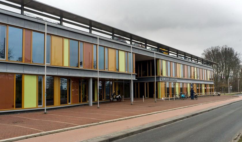 Het gemeentehuis aan de Willem-Alexanderlaan.