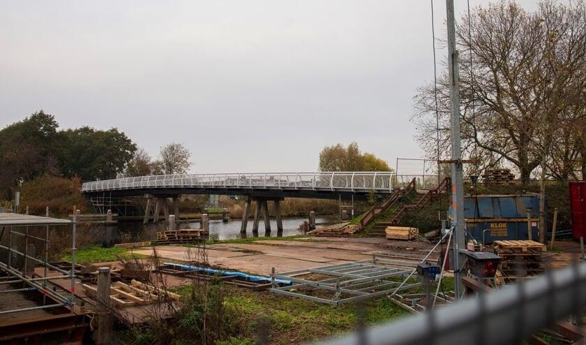 De Jan Hendrik Oort-brug heeft een metamorfose ondergaan.