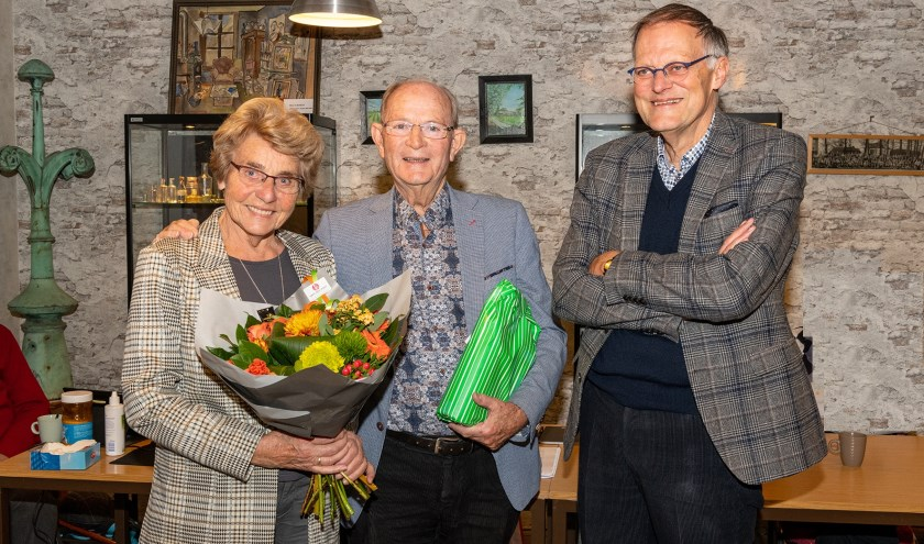 Bert Kunne zijn vrouw Aad, was alle 27 jaar gastvrouw bij bijeenkomsten van de SVvOH. | Foto: Harry Prins, tekst Jacolien vd Valk