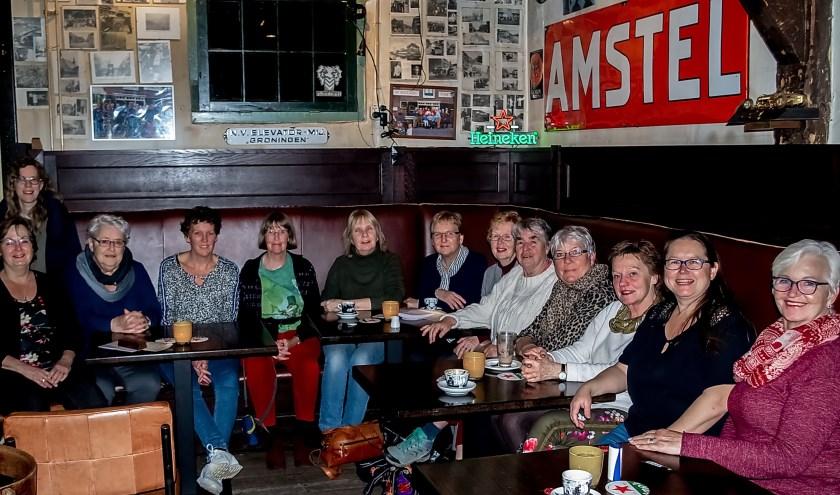 De Straatjutters op hun verjaardagsfeestje. | Foto: J.P. Kranenburg