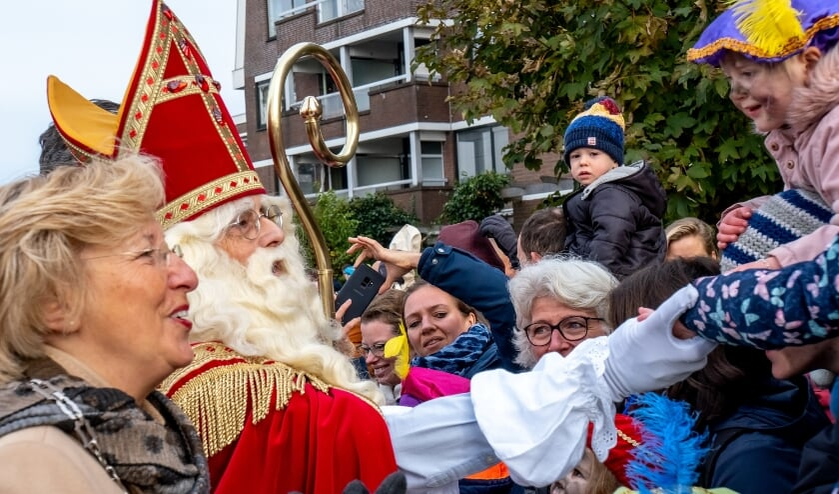 <p>Burgemeester Driessen verwelkomt Sinterklaas dit jaar op zaterdagochtend 21 november in de studio van Unity.NU.</p>