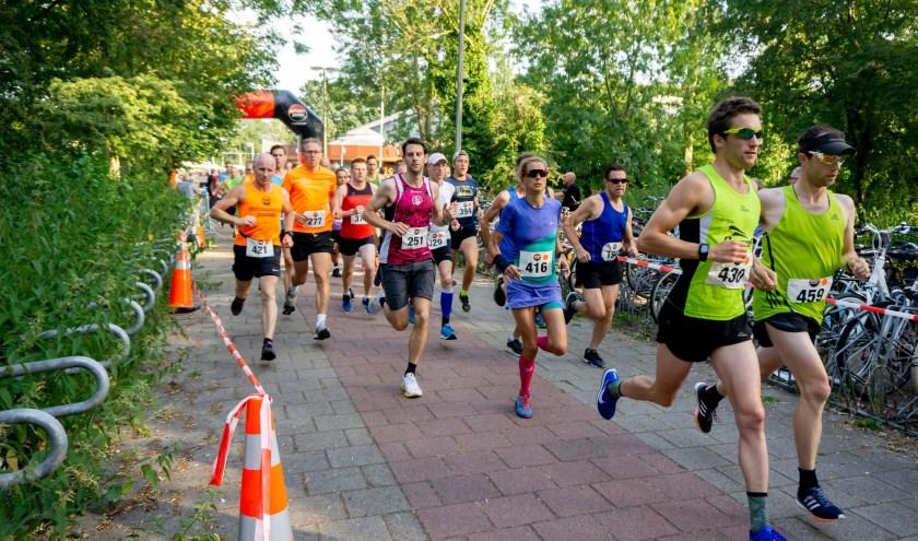 De start van de 6,3 en de 10 kilometer in 2018. | Foto: J.P. Kranenburg