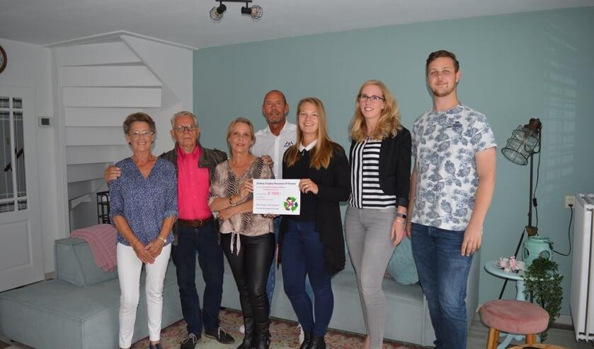 De Bokkies kregen een cheque van €1500, - | Foto: PR