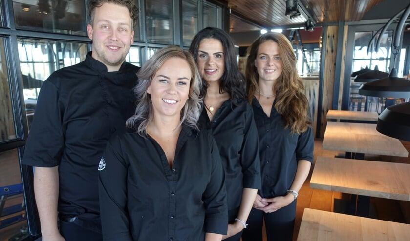 Het team van Hudson met op de voorgrond bedrijfsleider Rowan.   Foto: AvD