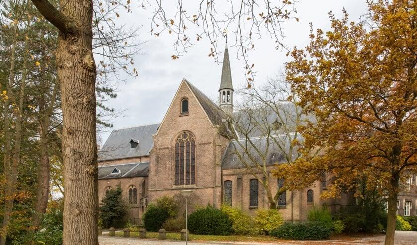 De Matthiaskerk in Warmond.