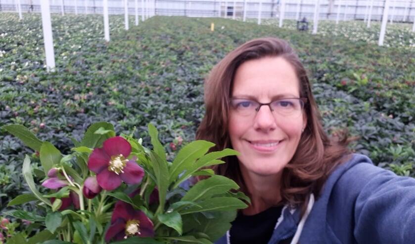 <p>Monique Juist veredelaar bij Syngenta Flowers.</p>