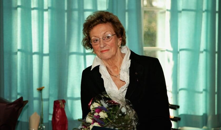 <p>Wil Rozelaar bij haar afscheid van de Rijnlandse Boekhandel in 2007.   Archieffoto Wil van Elk</p>