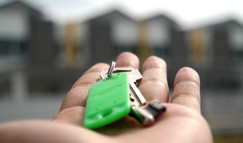 <p>De hoge huizenprijzen van dit moment zijn voor veel senioren reden om niet te verhuizen. | Foto: pr</p>