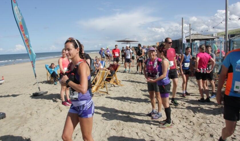 <p>Onder meer een juist gebruik van het strand bij evenementen kan worden geregeld in de APV.   Foto: Wim Siemerink</p>