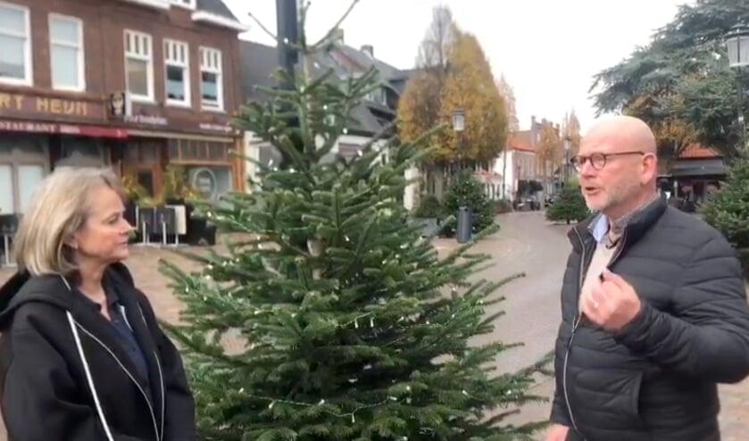 <p>Still uit het filmpje dat op social media is geplaatst: burgemeester Lies Spruit en Ton Freriks in gesprek over de challenge.</p>