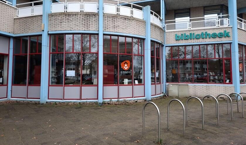 De bibliotheek verdwijnt misschien uit dit pand, maar niet uit de Hoornes. | Foto: SKvD