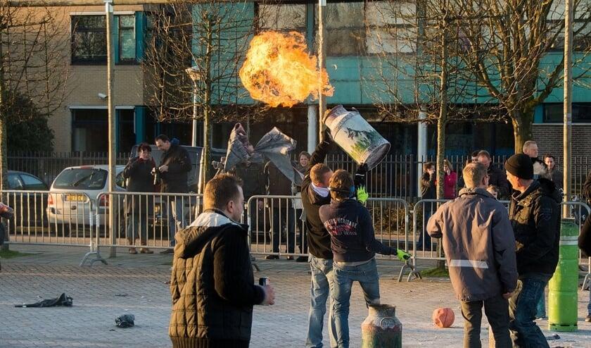 Carbid bussen schieten in Kampen.