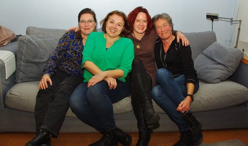Het nieuwe bestuur van de Oegstgeester Volkstuinvereniging Nicole Zwart, Nathalie Warmenhoven, Ivonne Janka en Mathilde van der Burg.