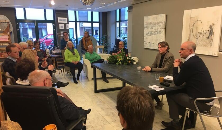 Wilfred van Rijn beantwoordt vragen van bezoekers tijdens de vijfde Levenskunst.